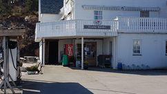 Fasade Nærbutikken Randøy