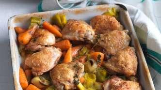 Ovnsbakt kylling med rotgrønnsaker og fløtesaus