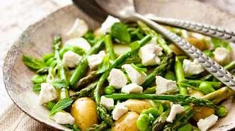 Salat med nypoteter og asparges