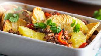 Nachograteng fylt med kjøttdeig og sjampinjonger