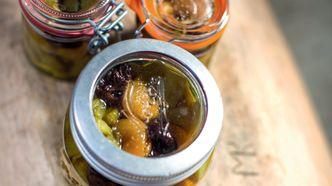 Juni: Rabarbra med aprikoser og svisker