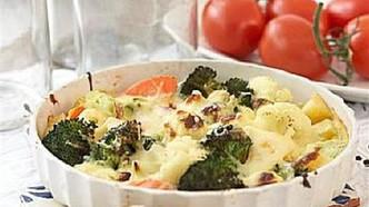 Gratinerte grønnsaker med ostesaus