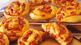 Pizzasnurrer med pølser