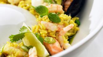 Paella med reker og torsk