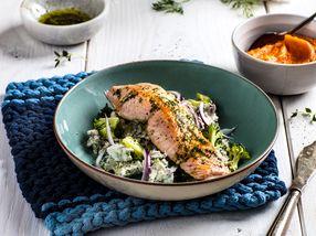 Stekt laks med søtpotetmos og brokkolisalat