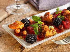 Reinsdyrcarpaccio med sopp og bjørnebær