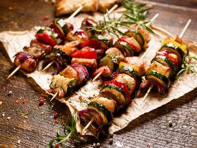 Grillspyd med svin og grønnsaker