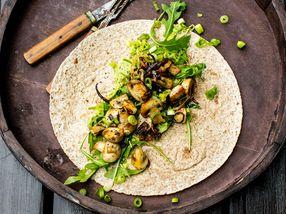 Enchilada med stekt sopp og guacamole
