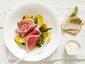 Lun salat med skinke og rømmedressing