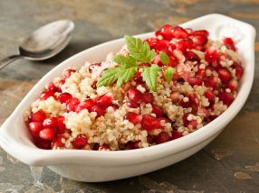 Quinoa- og granateplesalat