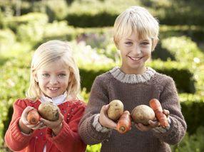 Få barna til å spise mer frukt og grønt