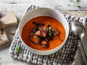 Meksikansk tomatsuppe med chorizo og rødløk