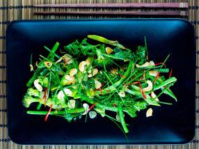 Grønn wok med cashewnøtter