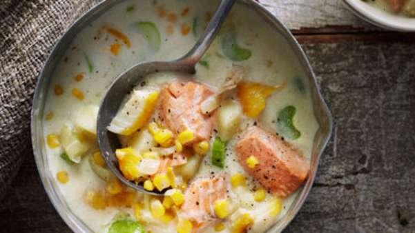 Fiskesuppe med stangselleri og mais
