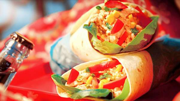Cous cous-wrap med fajitakrydret kylling