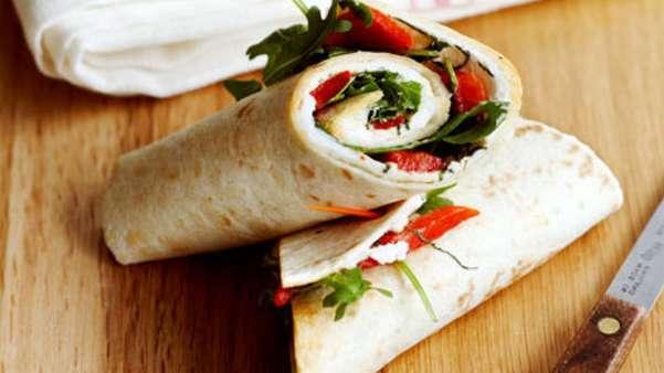 Wraps med bakt laks og avokado