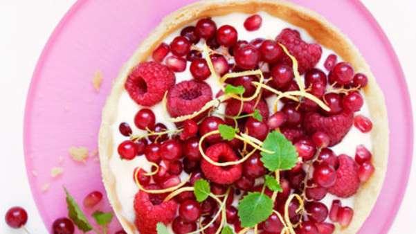 Pai med bær og vaniljeyoghurt