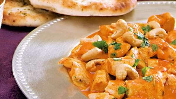 Indisk kylling med koriander og cashewnøtter