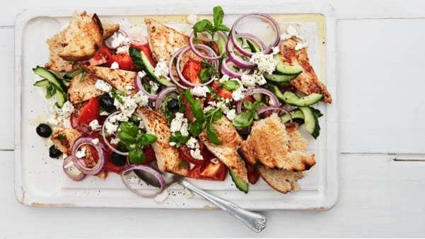 Gresk salat med kalkunfilet