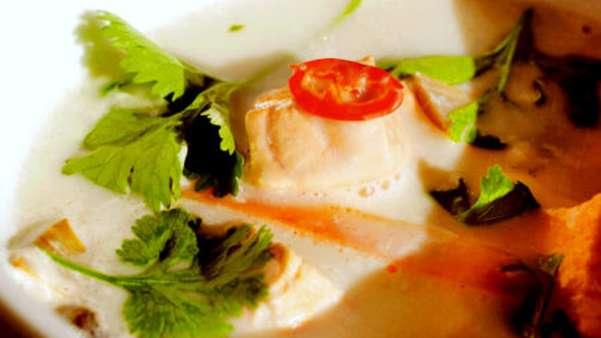 Thaisuppe med laks