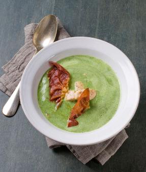 Blomkål og spinat suppe med kylling og spekeskinke