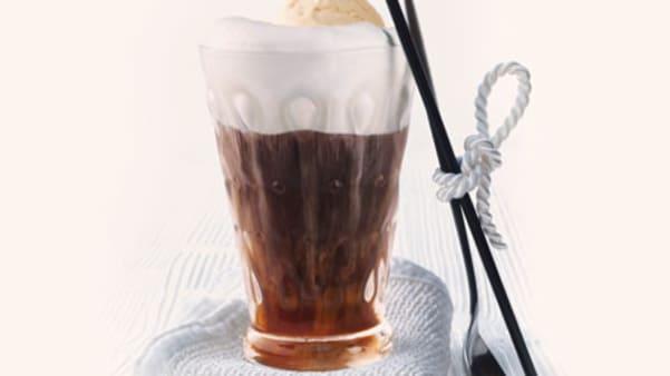 Kaffe mokka med vaniljeis