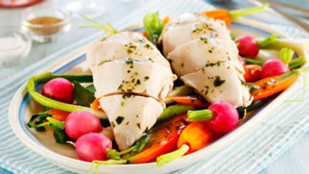 Posjert kylling med sommergrønnsaker