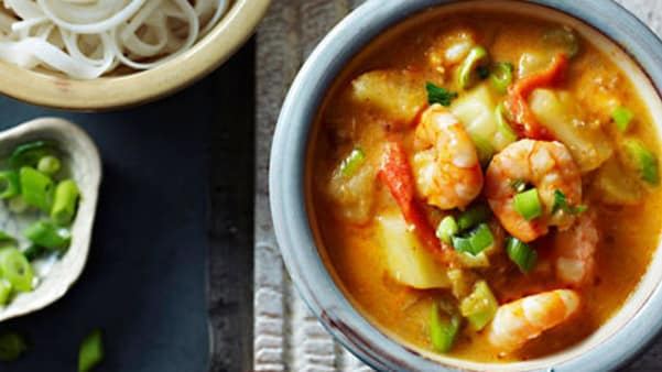Red curry med scampi og nudler