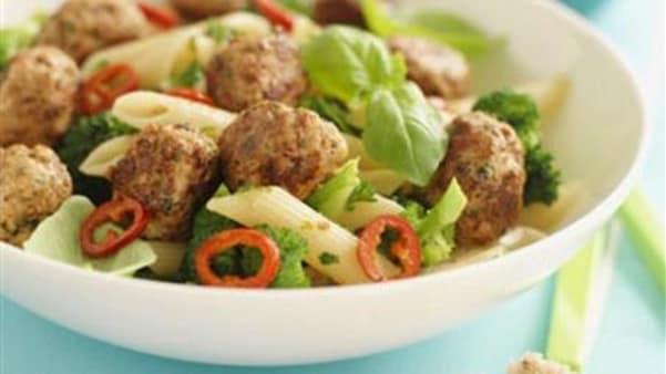 Kjøttboller med pasta
