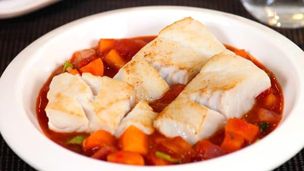 Fiskegryte med tomat og chili