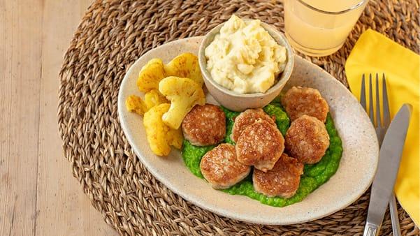 Kyllingkjøttboller med ertepuré og blomkål