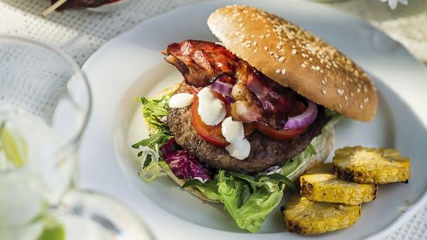 Hjemmelagde hamburgerbrød