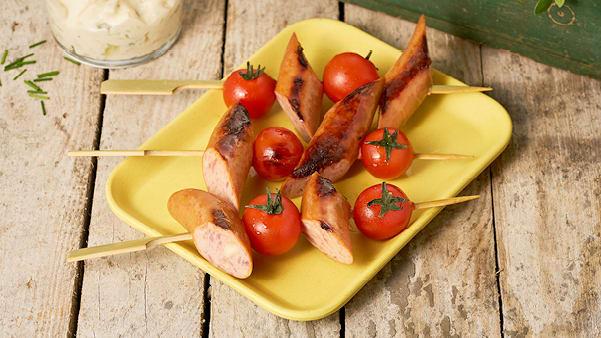 Knäckerpølser og tomater på spyd