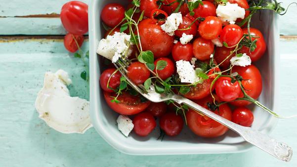 Marinerte cherrytomater med oregano og chevre