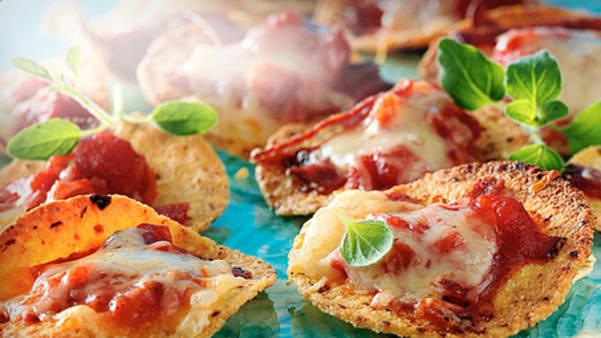Nachosnack med salami og purreløk
