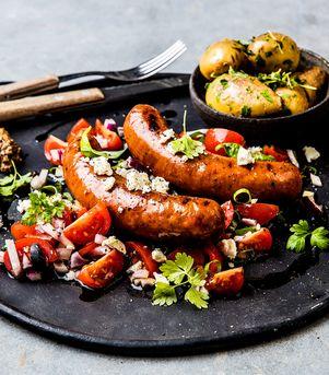 Saftig lammepølse med soltørket tomat og fetaost