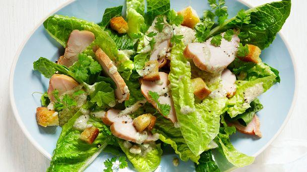 Cæsarsalat med røkt kylling