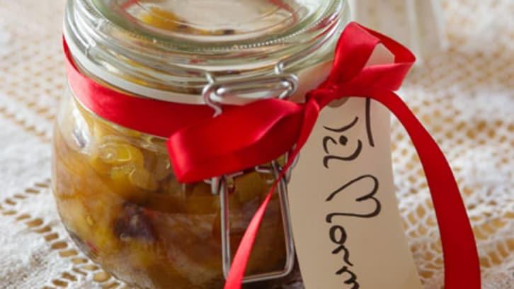 Sild med ananas- og pærechutney