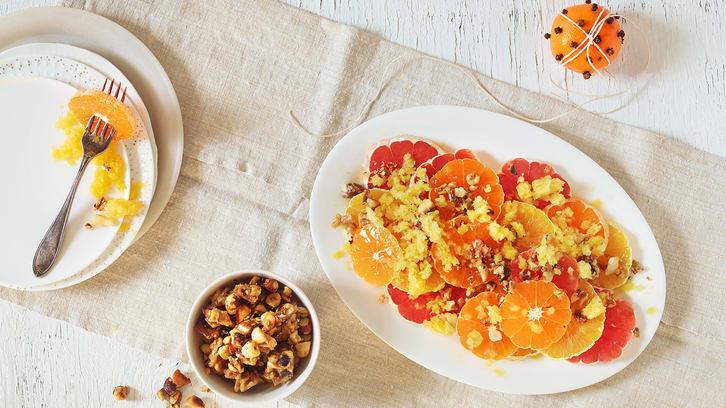 Sitrus-salat med appelsingranité og nøtter