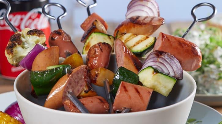 Pølsespyd med grønnsaker