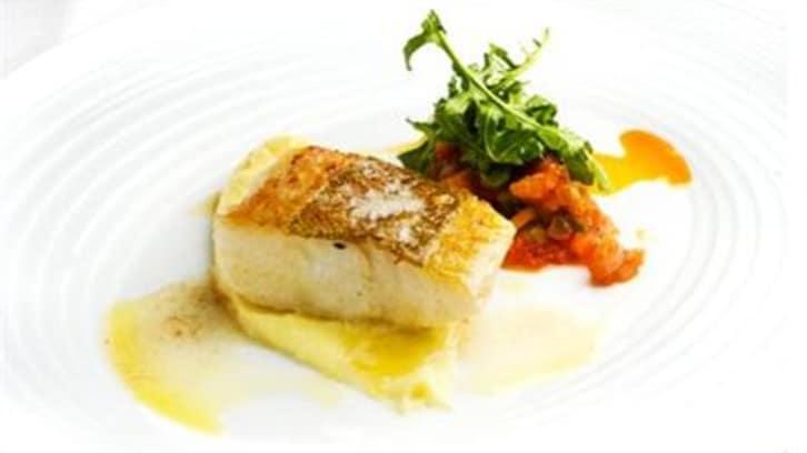 Stekt torsk med potetaioli og tomatsalsa