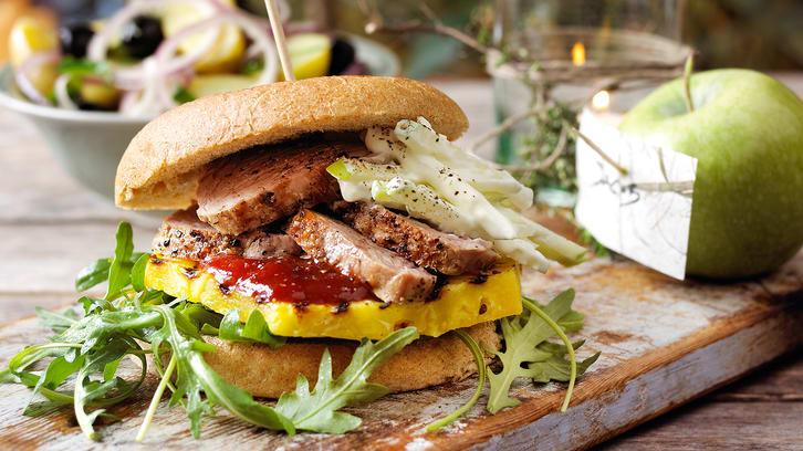 Svingode hamburgere med coleslaw