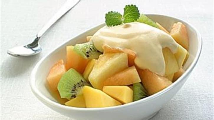 Eksotisk frukt med råkrem