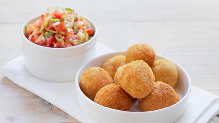 Klippfiskboller med salsa