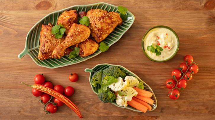 Grillet sesamkylling med grønnsaker og spicy dipp