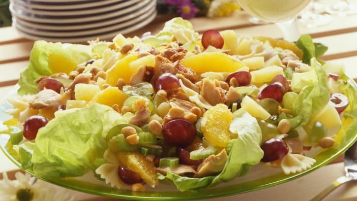 Kyllingsalat med peanøtter