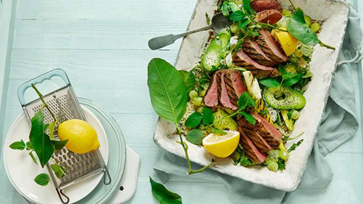 Grillet fårelår med frisk sitron og avokadosalat