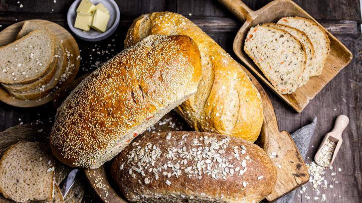 SPAR setter ned prisen på brød med 50 prosent en time før stengetid