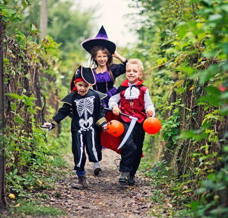 """Illustrasjonsbilde for """"Halloween-kostymer og blodig popcorn"""""""