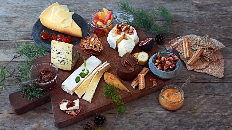 Lag et ostefat til jul med Solglad, Firkantet brie, Kraftkar, Bufar og Huldreost